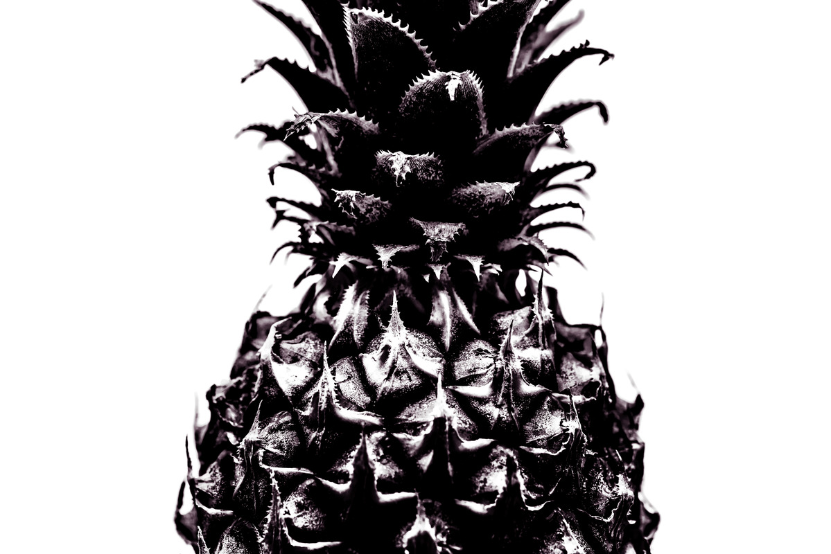 Close-Up Of Pineapple. Black and white - slon.pics - free stock photos and illustrations
