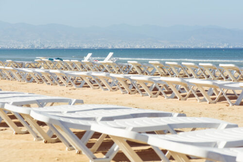 Empty sunbeds at the beach - slon.pics - free stock photos and illustrations