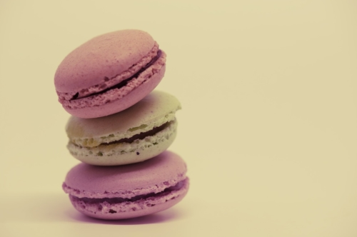 Pile of colorful macaroons - slon.pics - free stock photos and illustrations