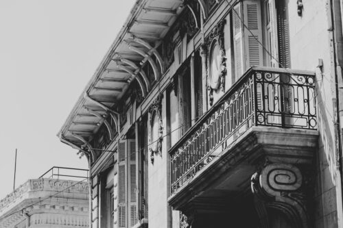 Part of old colonial building. Black and white photo - slon.pics - free stock photos and illustrations