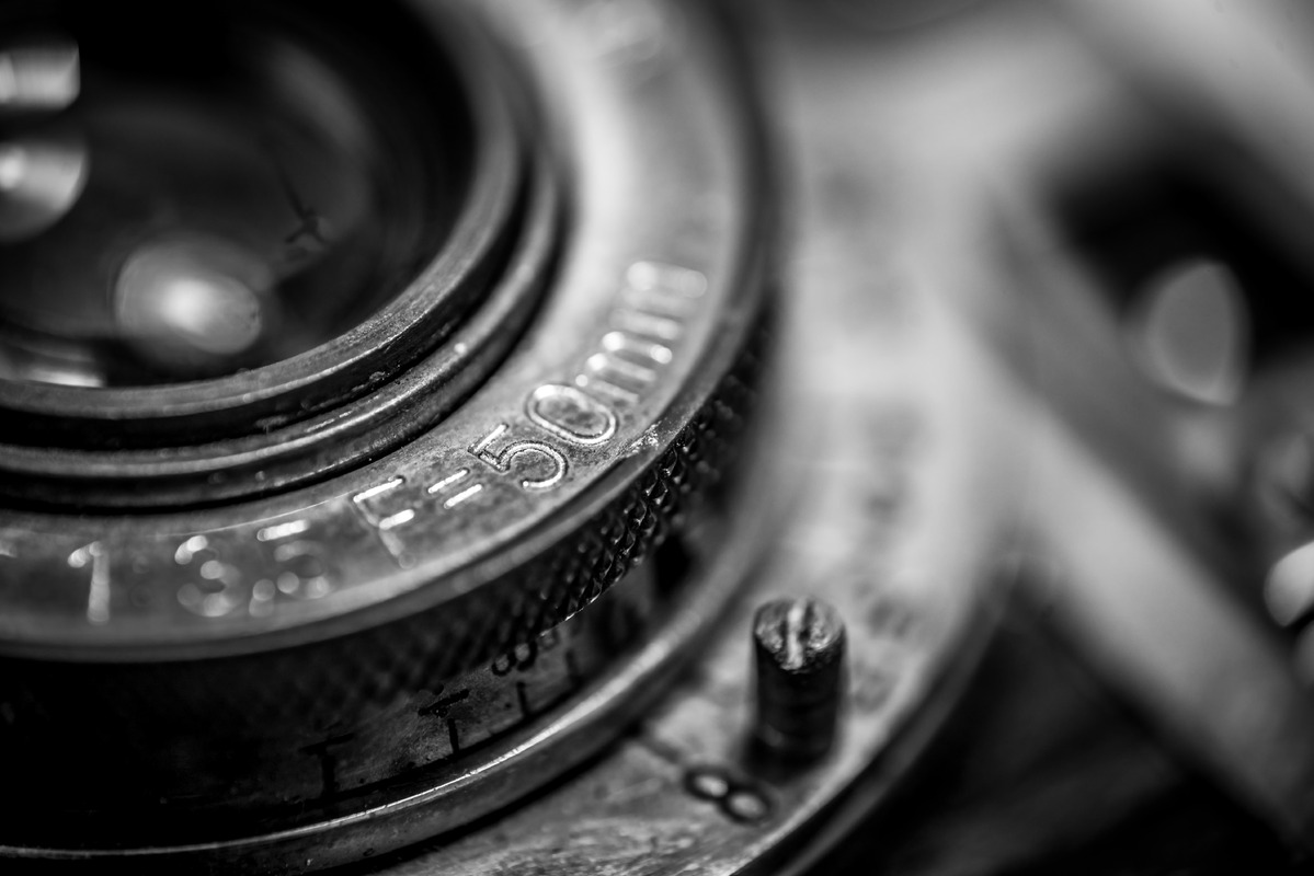 Closeup of an old retro film camera lens - slon.pics - free stock photos and illustrations