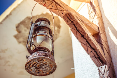 Mediterranean street scene. Rustic lamp - slon.pics - free stock photos and illustrations