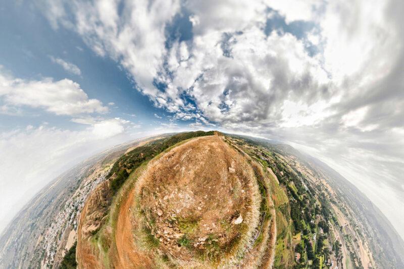 Mountain path. Beautiful mauntain panorama - slon.pics - free stock photos and illustrations