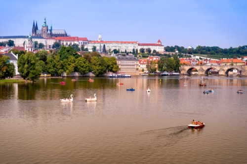 Vltava river, Charles Bridge, St. Vitus Cathedral and Prague Castle - slon.pics - free stock photos and illustrations