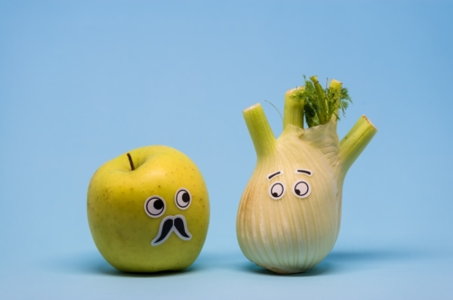 Apple and Fennel looking suspiciously - slon.pics - free stock photos and illustrations