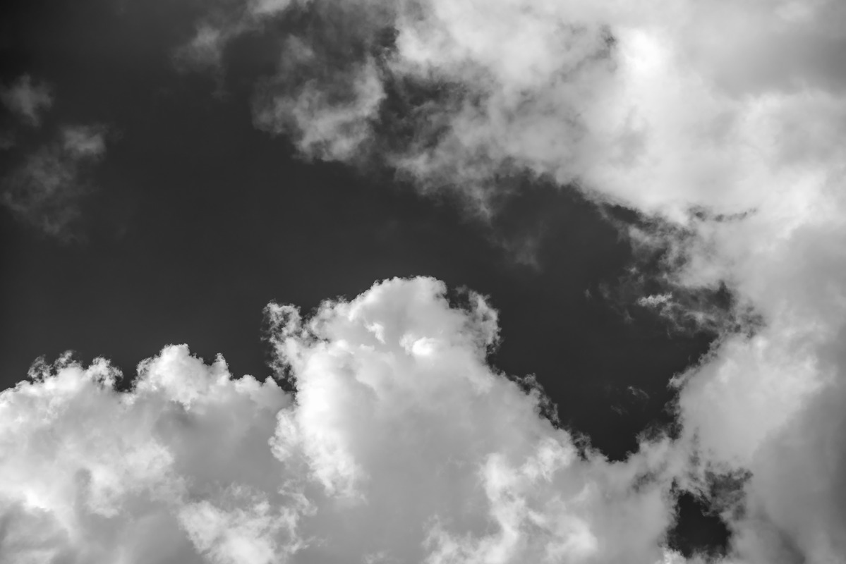Clouds. Black and white - slon.pics - free stock photos and illustrations