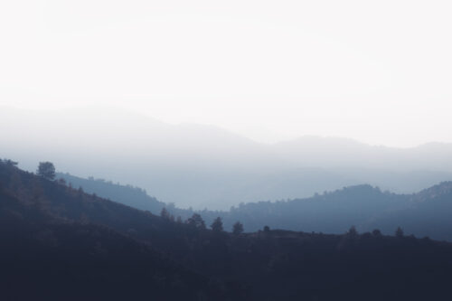 Mountains In The Morning Mist - slon.pics - free stock photos and illustrations