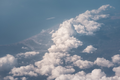 Above the clouds - slon.pics - free stock photos and illustrations