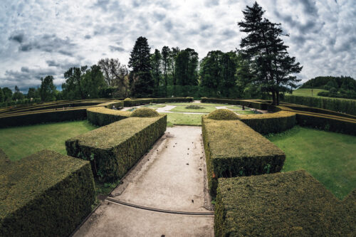 Formal garden in the park of Cesky Krumlov castle. Czech Republic - slon.pics - free stock photos and illustrations