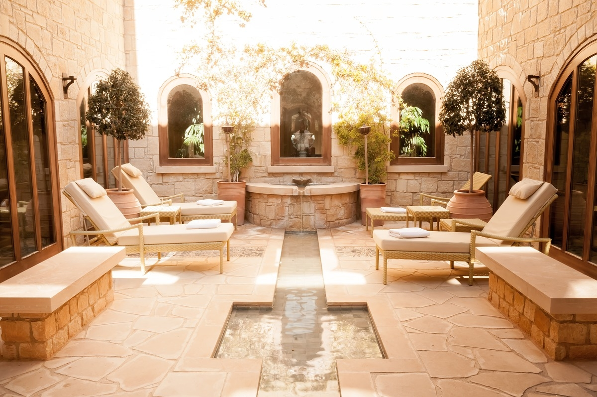 Spa beds ready for outdoor relaxation - slon.pics - free stock photos and illustrations