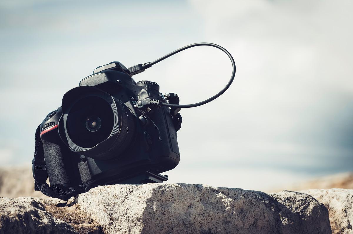 Close-up of a DSLR camera - slon.pics - free stock photos and illustrations