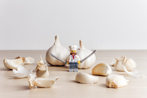 Garlic peeling process - slon.pics - free stock photos and illustrations