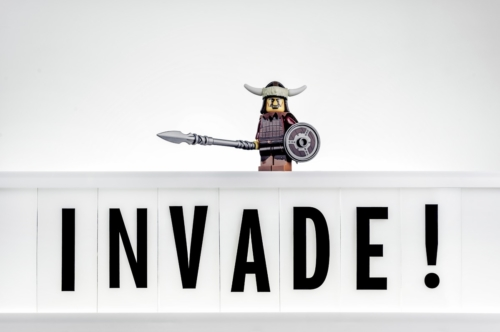 Invade! - slon.pics - free stock photos and illustrations