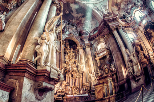 Interior and altar of St. Nicholas Church - slon.pics - free stock photos and illustrations