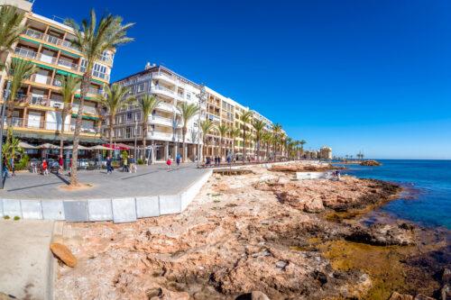 Paseo juan aparicio. Seafront of Torrevieja - slon.pics - free stock photos and illustrations