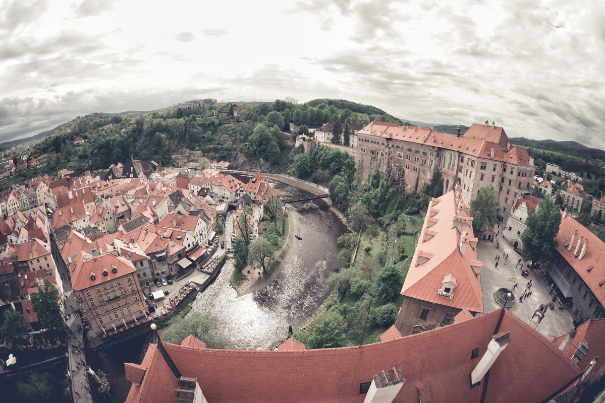 Panoramic view of the famous Cesky Krumlov Castle - slon.pics - free stock photos and illustrations