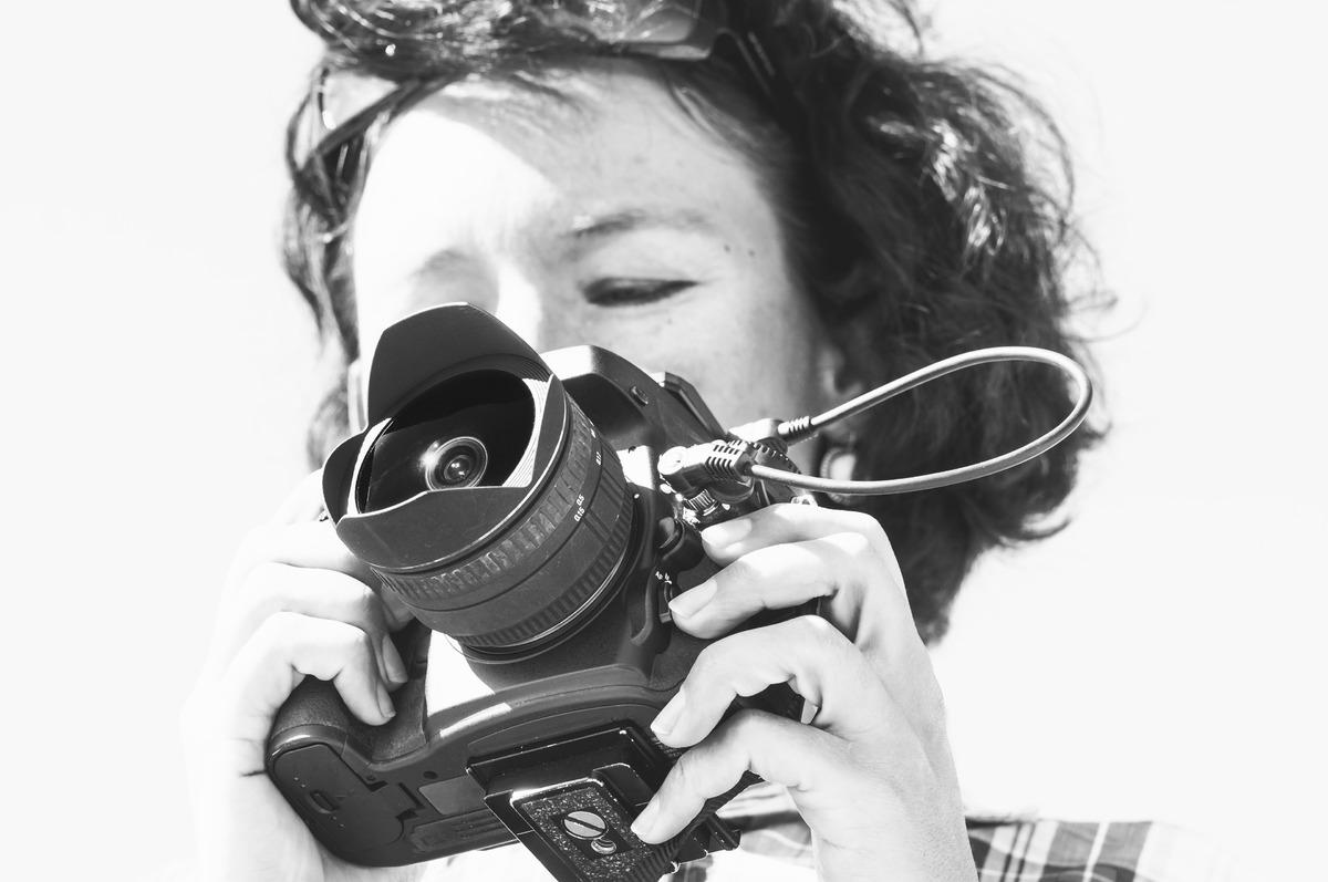 Woman taking photos - slon.pics - free stock photos and illustrations