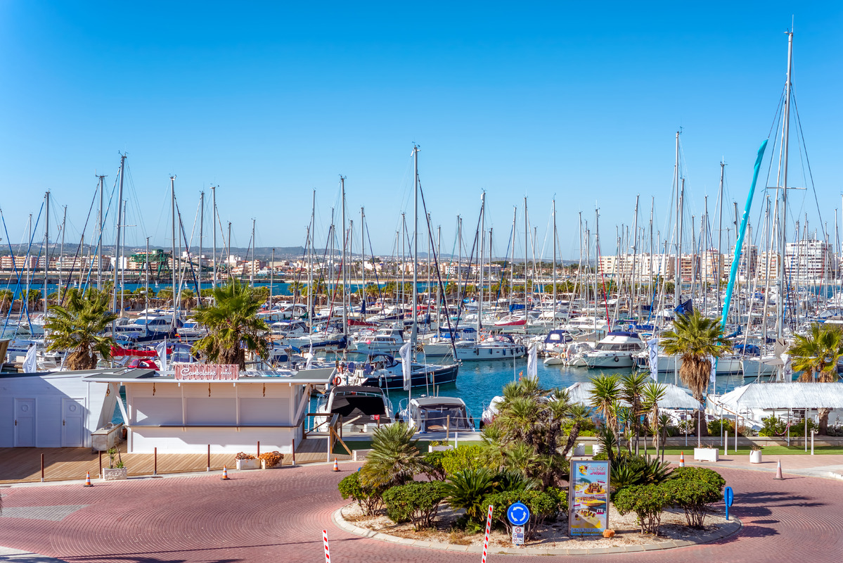 Yachts and boats in Marina of Torrevieja - slon.pics - free stock photos and illustrations