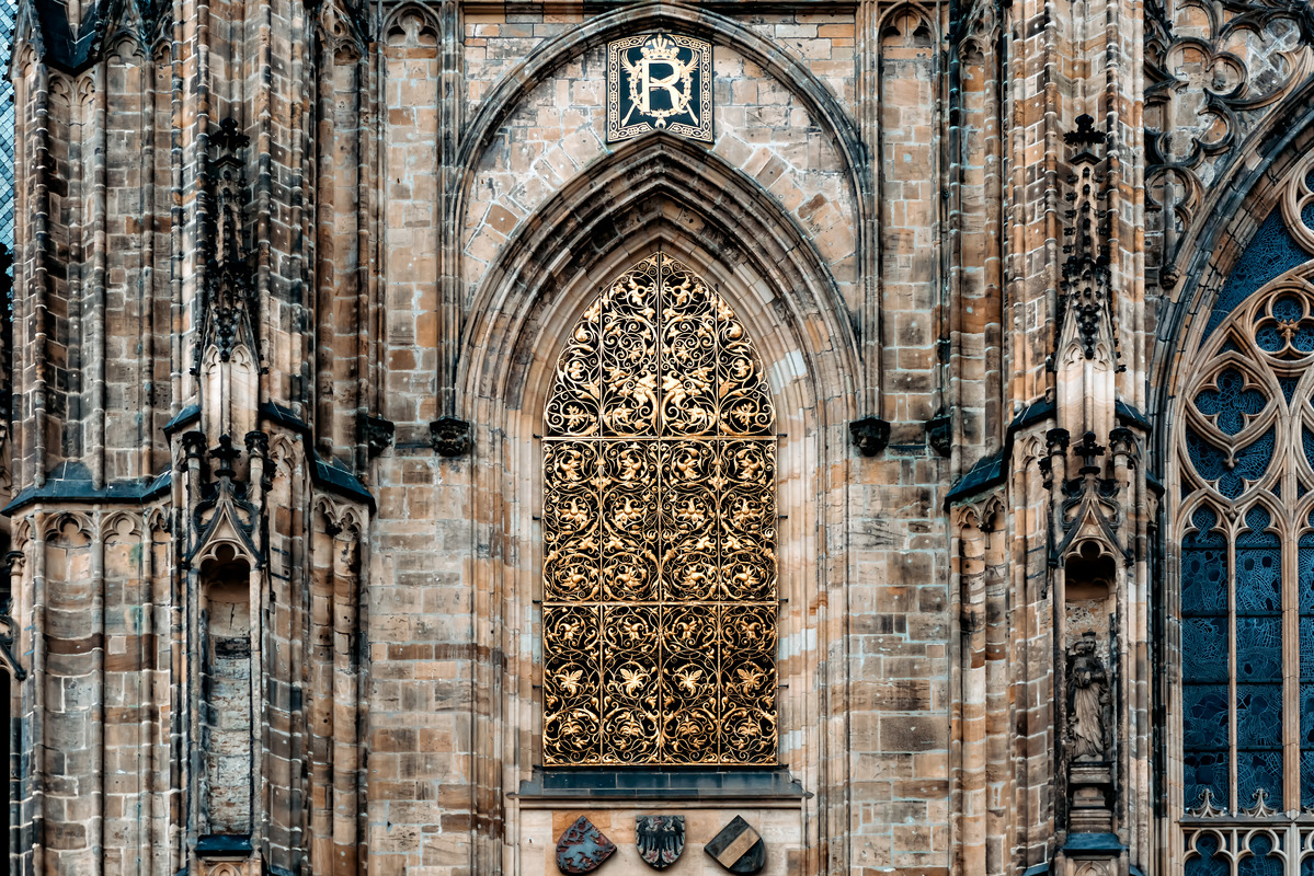 Window of Golden gate of Vitus cathedral - slon.pics - free stock photos and illustrations
