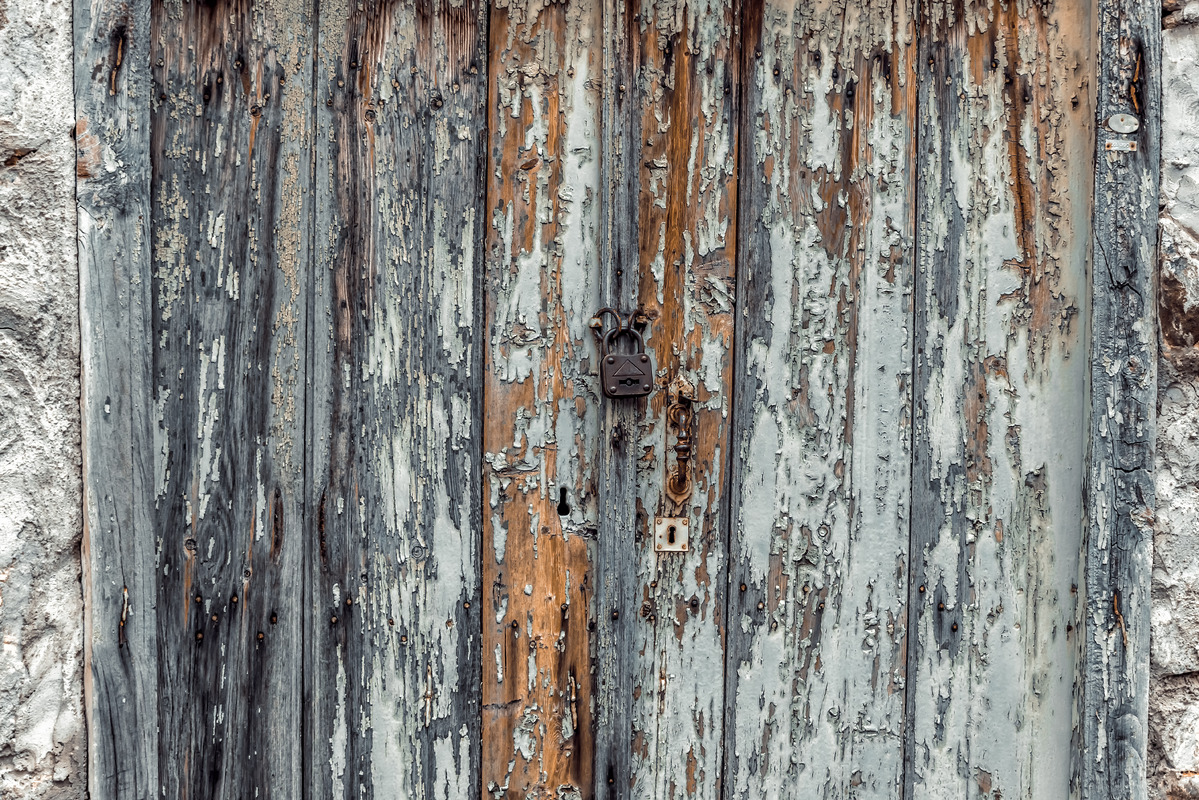 Old weathered door close-up - slon.pics - free stock photos and illustrations