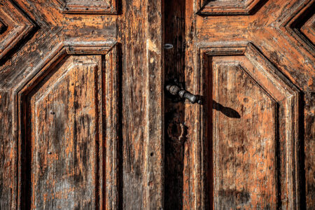 Old wooden door - slon.pics - free stock photos and illustrations
