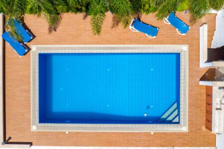 Swimming pool - slon.pics - free stock photos and illustrations