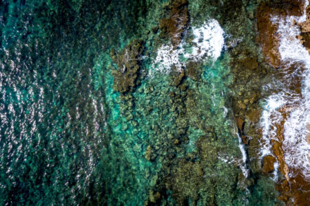 Blue lagoon with rocky shore and clear water - slon.pics - free stock photos and illustrations