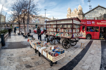 Bookseller cart. Budapest - slon.pics - free stock photos and illustrations