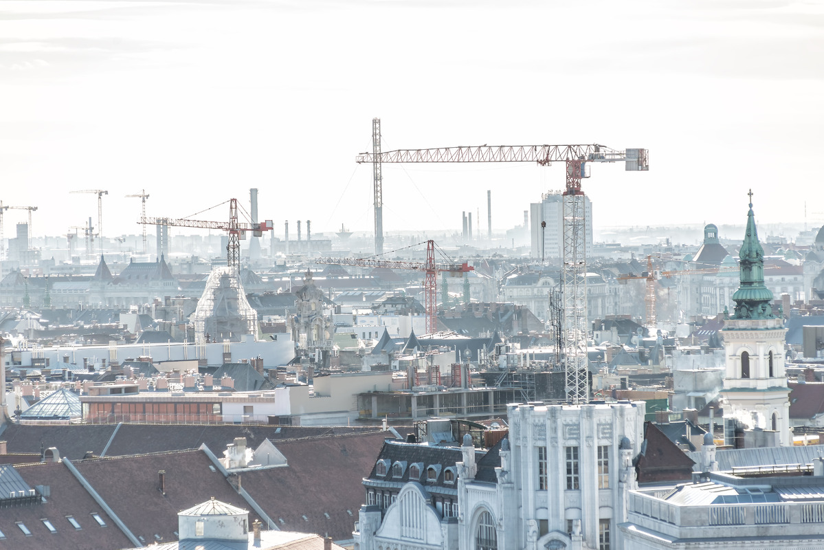 Cityscape of Budapest with construction cranes - slon.pics - free stock photos and illustrations