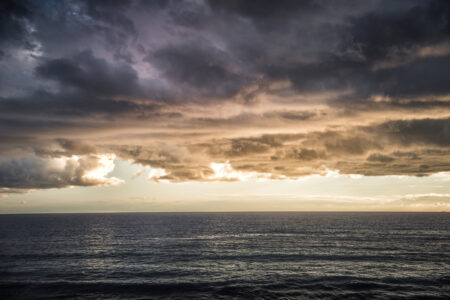 Dark stormy sea with a dramatic cloudy sky - slon.pics - free stock photos and illustrations