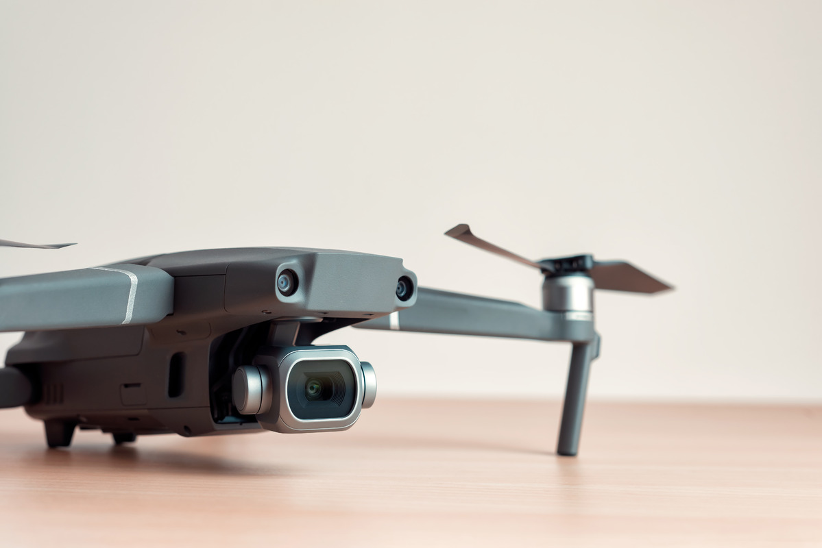 Drone on the table - slon.pics - free stock photos and illustrations