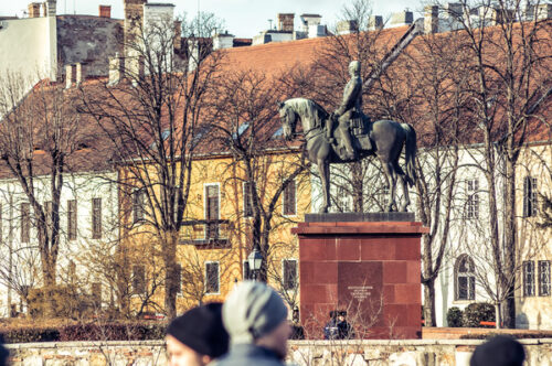 Equestrian statue of Artúr Görgei - slon.pics - free stock photos and illustrations