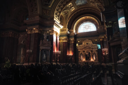 Interior of St. Stephen's Basilica, Budapest - slon.pics - free stock photos and illustrations