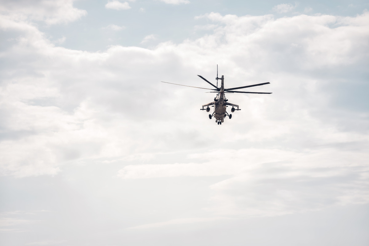 Military helicopter - slon.pics - free stock photos and illustrations
