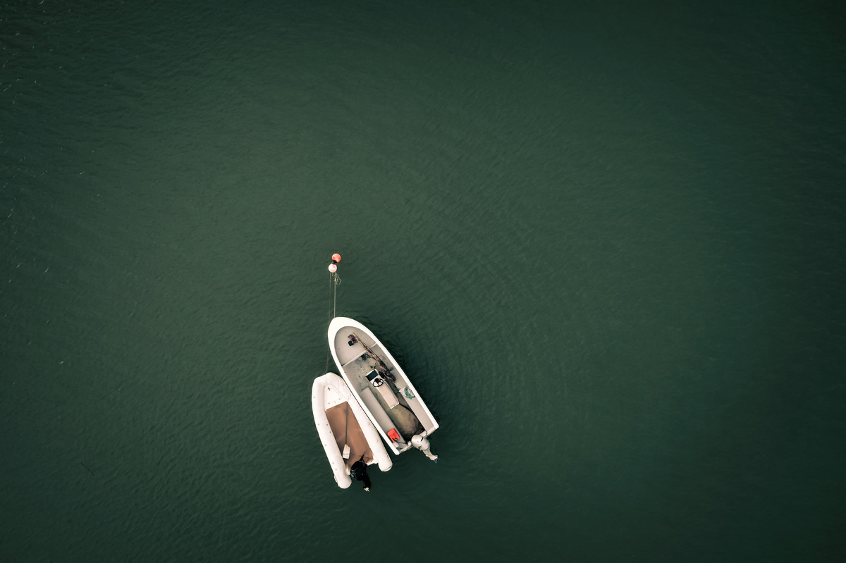 Overhead view of motorboats - slon.pics - free stock photos and illustrations